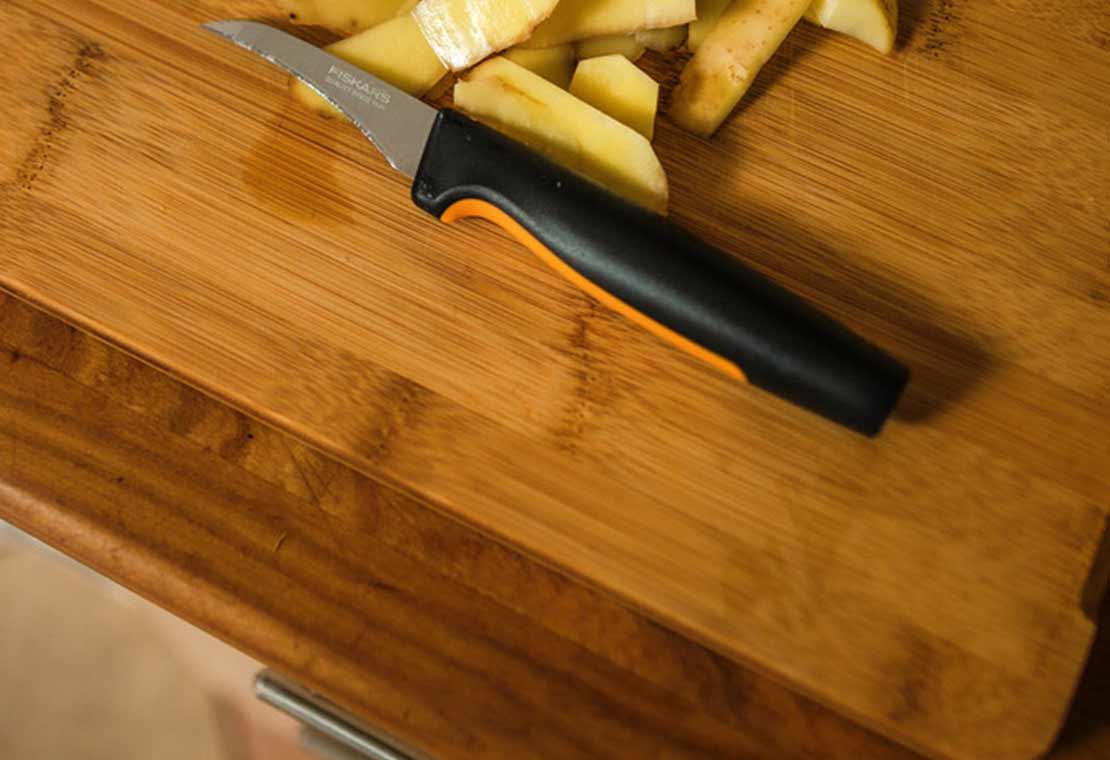 Lúpací nôž so zahnutou čepeľou, 7 cm Functional Form