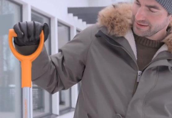 Škrabka na ľad s metličkou do auta SnowXpert™
